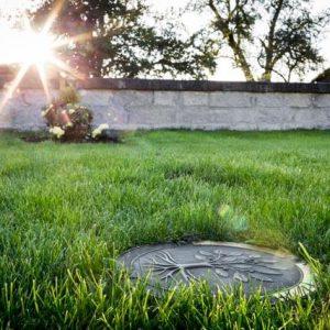 WEIHER Urnenerdrohrsystem als Wiesengrab